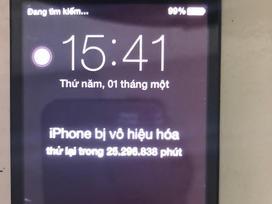 Một phụ nữ ở Nha Trang phải đợi 48 năm để... mở khóa iPhone