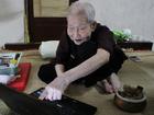 Chuyện kỳ lạ về những cụ bà 'cổ lai hy' gây sốt ở Việt Nam