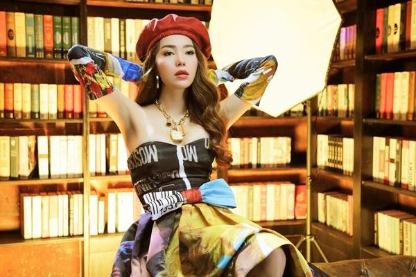 Chỉ với 1 chiếc mũ, Minh Hằng biến hóa mình với nhiều phong cách cực xinh-8