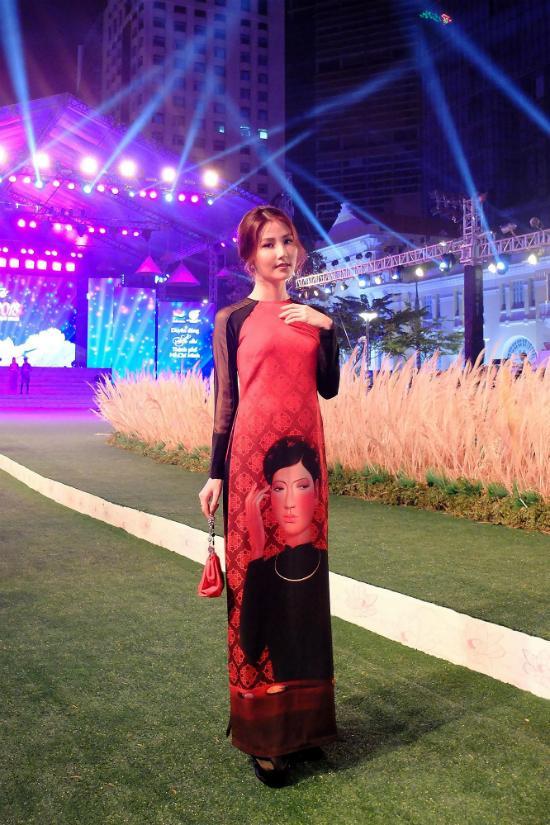 Cứ mỗi lần sánh đôi, Hồ Ngọc Hà - Kim Lý lại chiếm vị trí top sao mặc đẹp nhất tuần-2