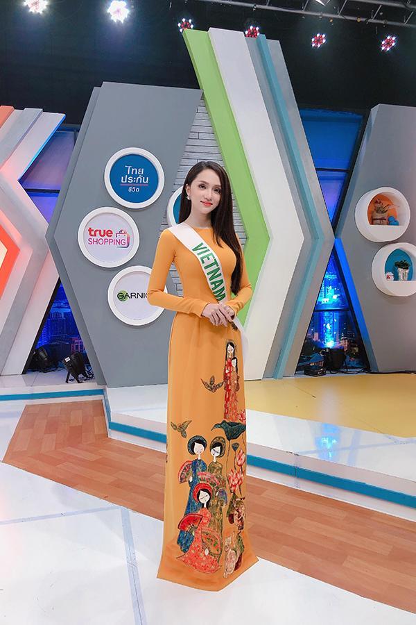 Cứ mỗi lần sánh đôi, Hồ Ngọc Hà - Kim Lý lại chiếm vị trí top sao mặc đẹp nhất tuần-4