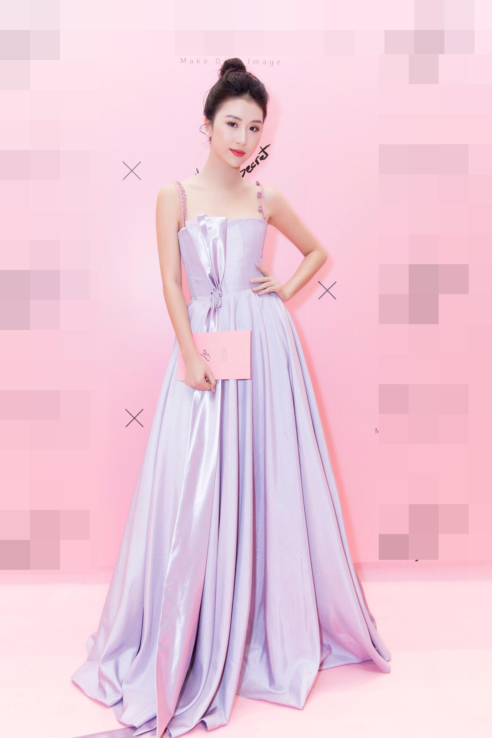 Cứ mỗi lần sánh đôi, Hồ Ngọc Hà - Kim Lý lại chiếm vị trí top sao mặc đẹp nhất tuần-7