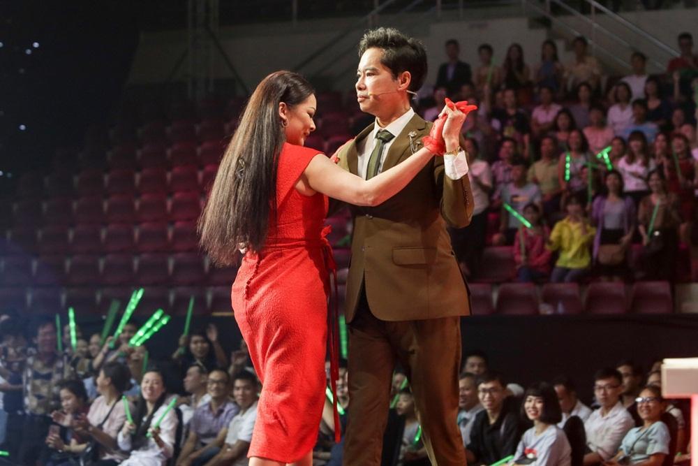 Ngọc Sơn và Quang Lê tranh cãi trên truyền hình về cách hát nhạc lụy tình-1