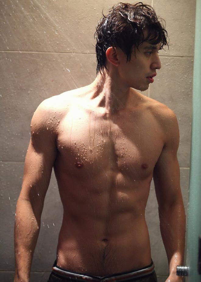 Ngắm nhan sắc và gu thời trang của Lee Dong Wook mới thấy Suzy đang hẹn hò với một... cực phẩm-9