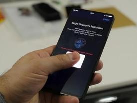 Smartphone có camera 'tự sướng' di động sẽ ra mắt giữa năm nay
