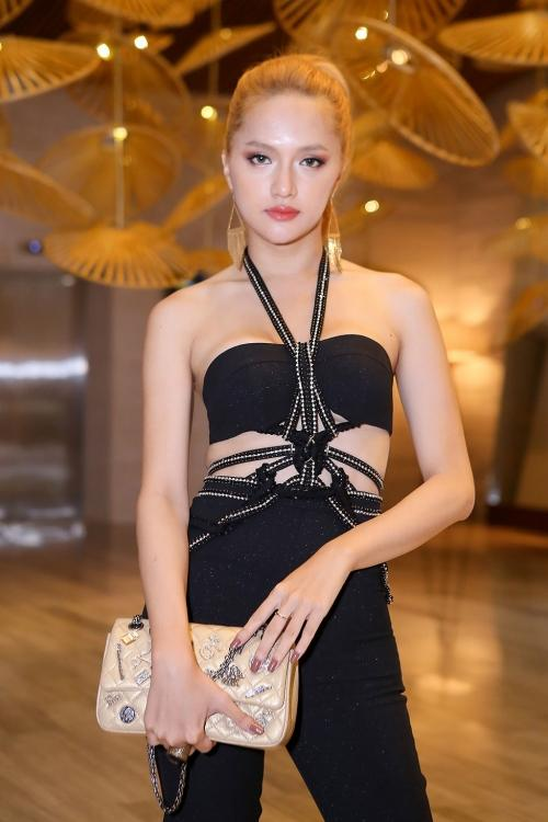 Loạt kiểu tóc 'hại đời', Hoàng Thùy, Hương Giang Idol chẳng bao giờ muốn nhìn lại-6