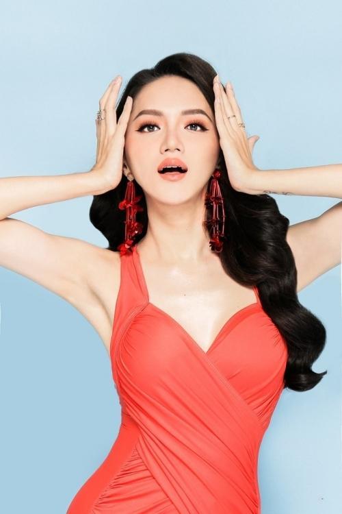 Hương Giang diện bikini nóng bỏng thế này bảo sao không giành vương miện Hoa hậu-9