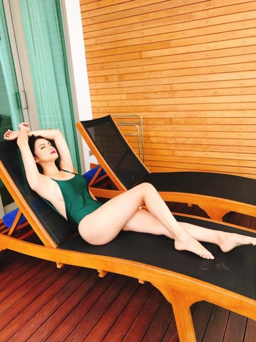 Hương Giang diện bikini nóng bỏng thế này bảo sao không giành vương miện Hoa hậu-14