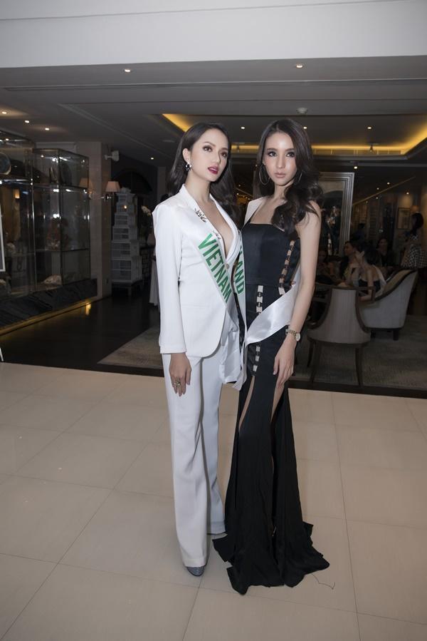 Á Hậu nước chủ nhà Thái Lan Yoshi Rinrada chúc mừng tân hoa hậu Hương Giang Idol-6