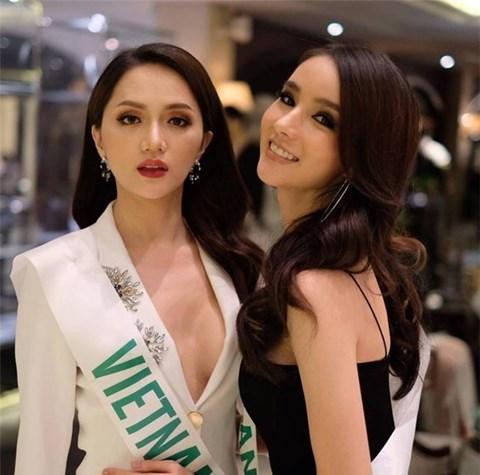 Á Hậu nước chủ nhà Thái Lan Yoshi Rinrada chúc mừng tân hoa hậu Hương Giang Idol-9