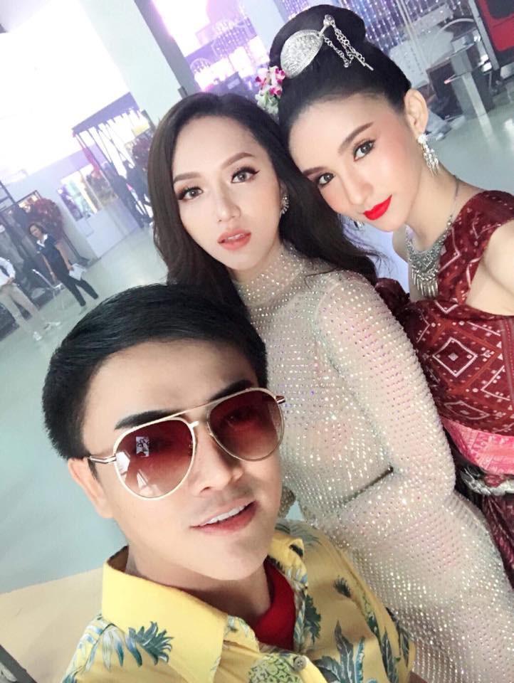 Á Hậu nước chủ nhà Thái Lan Yoshi Rinrada chúc mừng tân hoa hậu Hương Giang Idol-11