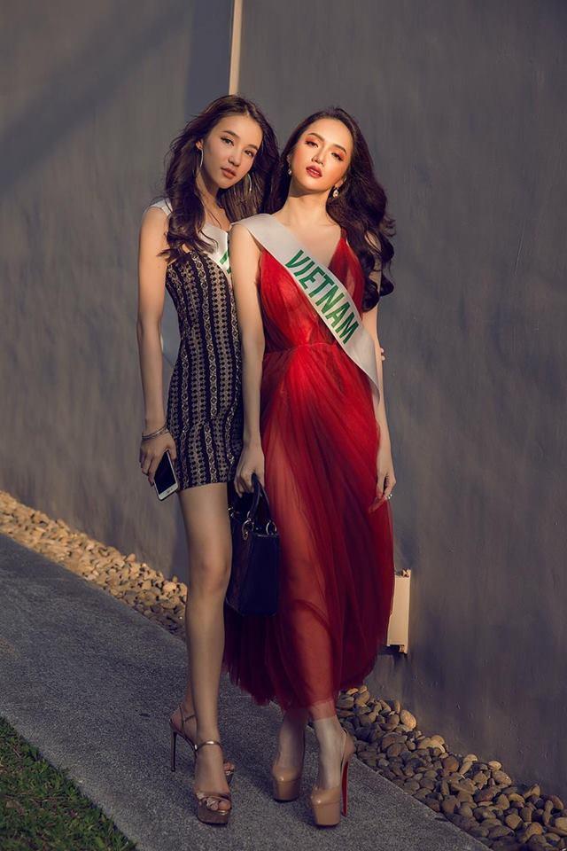 Á Hậu nước chủ nhà Thái Lan Yoshi Rinrada chúc mừng tân hoa hậu Hương Giang Idol-13
