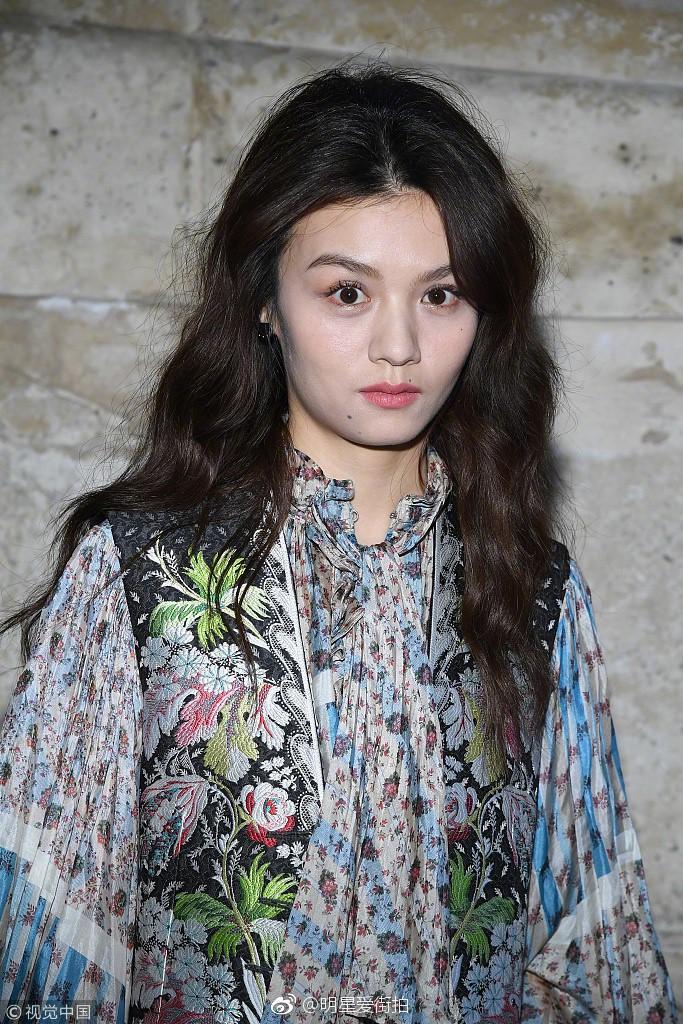 Cùng diện thiết kế Louis Vuitton, Châu Bùi áp đảo mỹ nhân Hoa ngữ nhờ thần thái đỉnh cao-7
