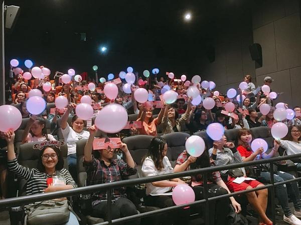 Fan bao rạp xem Tháng năm rực rỡ để nghe Mỹ Tâm hát 4 phút cuối phim-6