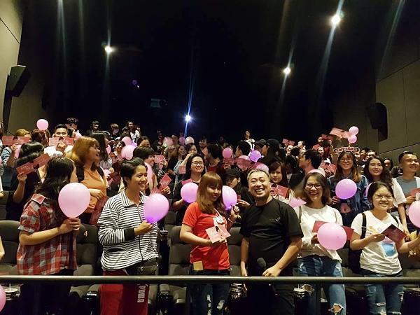 Fan bao rạp xem Tháng năm rực rỡ để nghe Mỹ Tâm hát 4 phút cuối phim-7