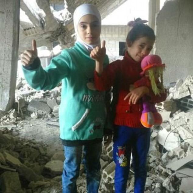 Hãy giúp chúng cháu, lời kêu gọi đầy ám ảnh của 2 bé gái ở nơi tàn khốc nhất thế giới-1