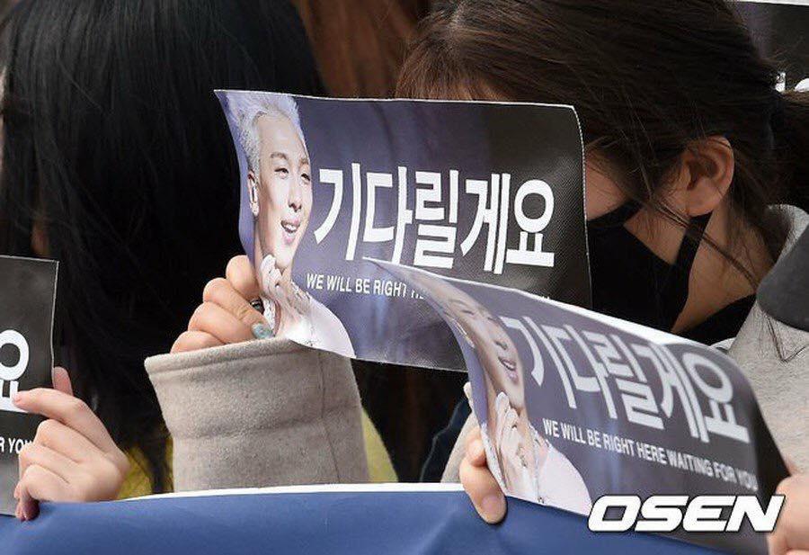 Big Bang Taeyang lên đường nhập ngũ, quỳ gối cảm ơn người hâm mộ-14