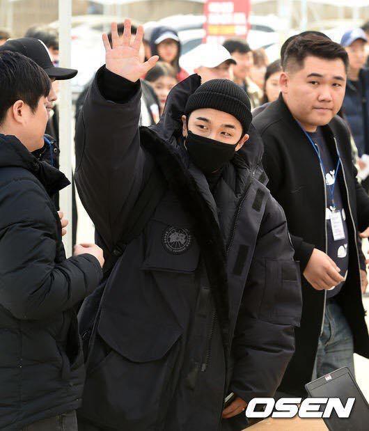 Big Bang Taeyang lên đường nhập ngũ, quỳ gối cảm ơn người hâm mộ-7