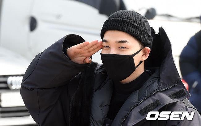 Big Bang Taeyang lên đường nhập ngũ, quỳ gối cảm ơn người hâm mộ-10