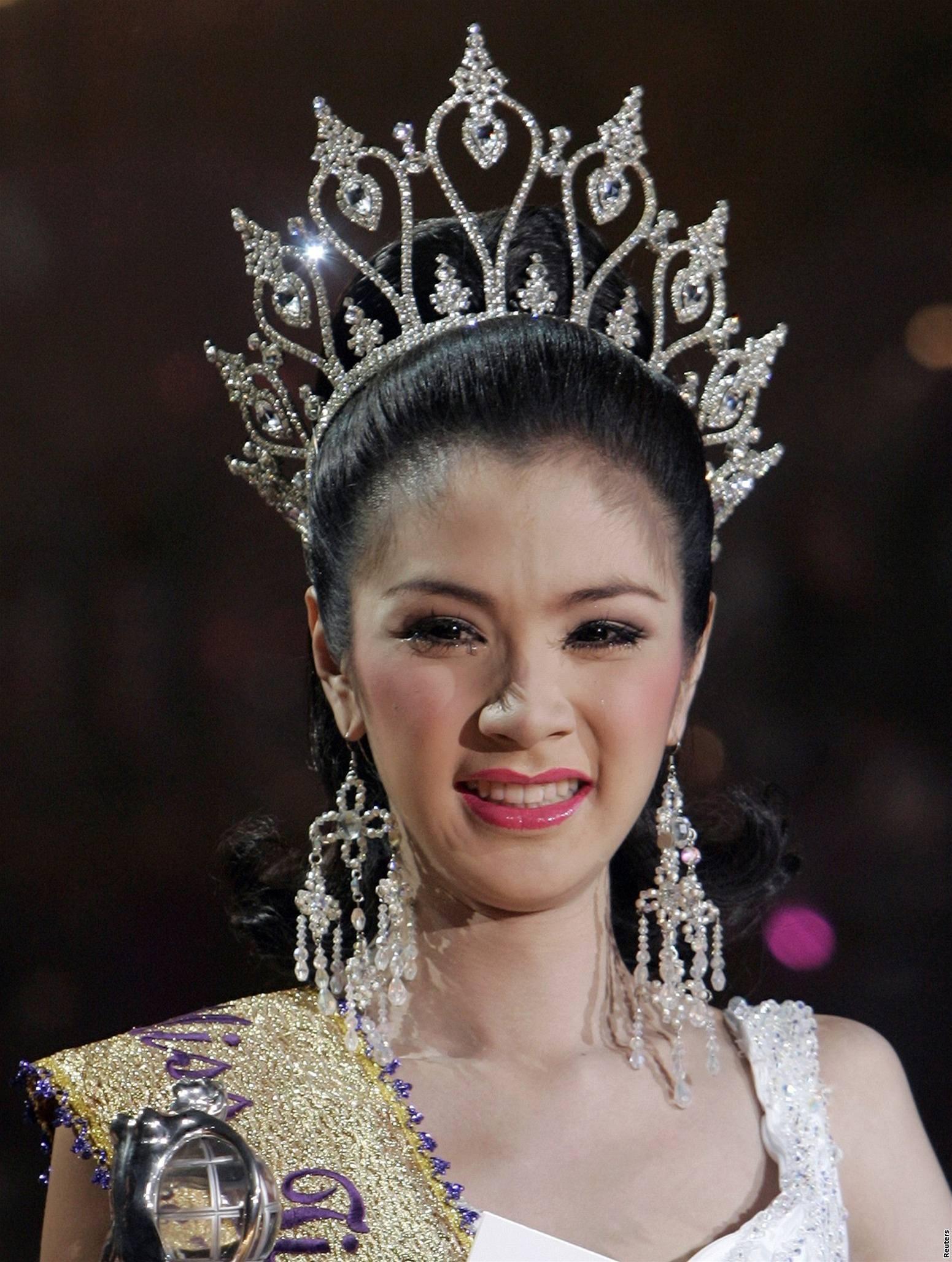 Nhan sắc Hương Giang có đủ đẹp để trở thành Hoa hậu Chuyển giới xuất sắc nhất lịch sử?-5