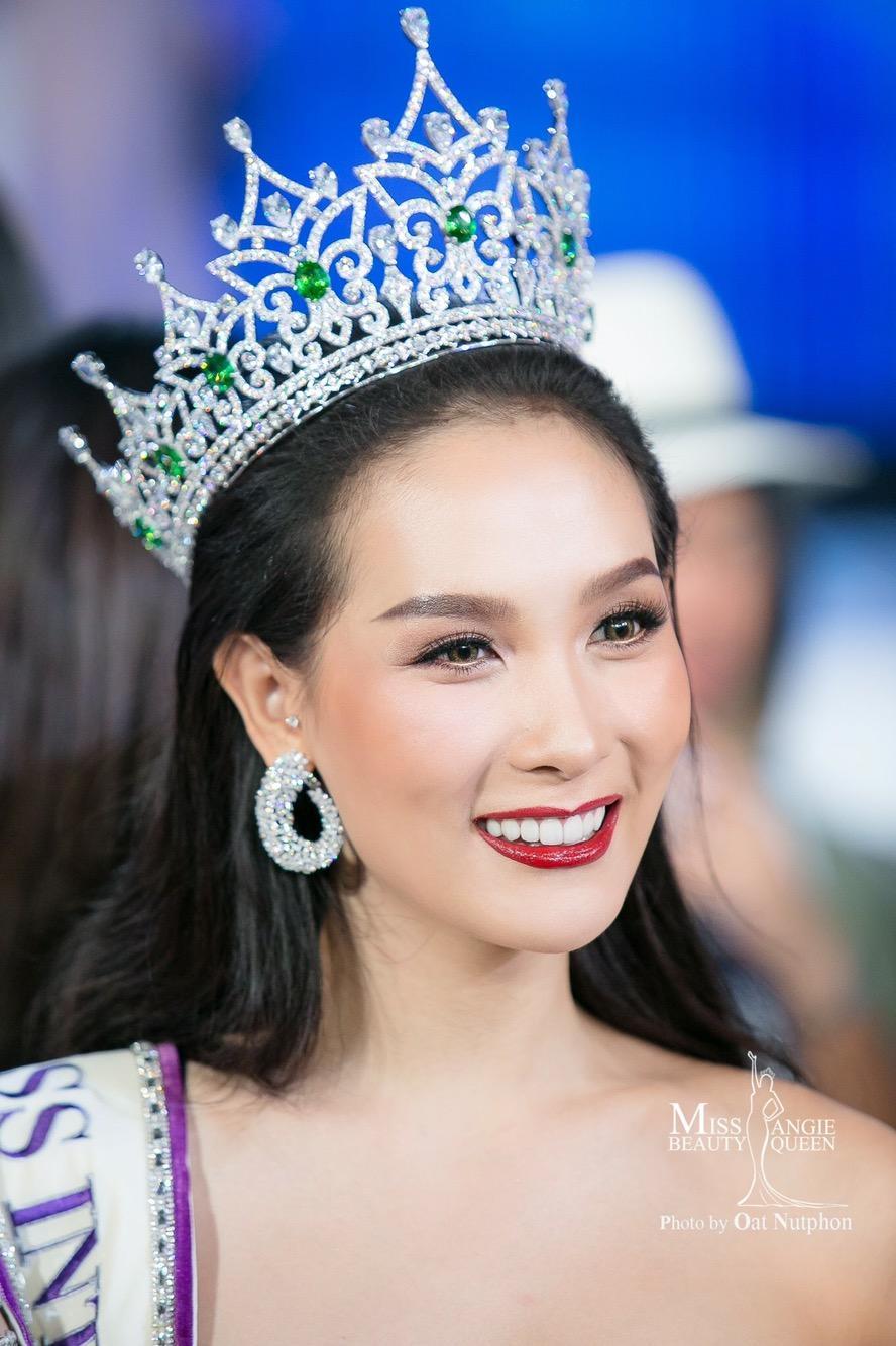 Nhan sắc Hương Giang có đủ đẹp để trở thành Hoa hậu Chuyển giới xuất sắc nhất lịch sử?-13