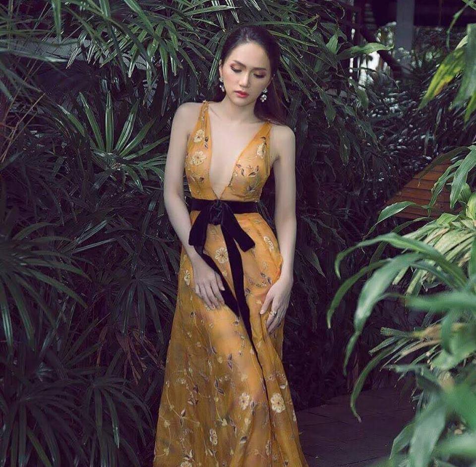 Trùng tên nhau và cùng mặc chung váy, Hương Giang Idol thần thái xuất sắc hơn hẳn Lưu Hương Giang-4
