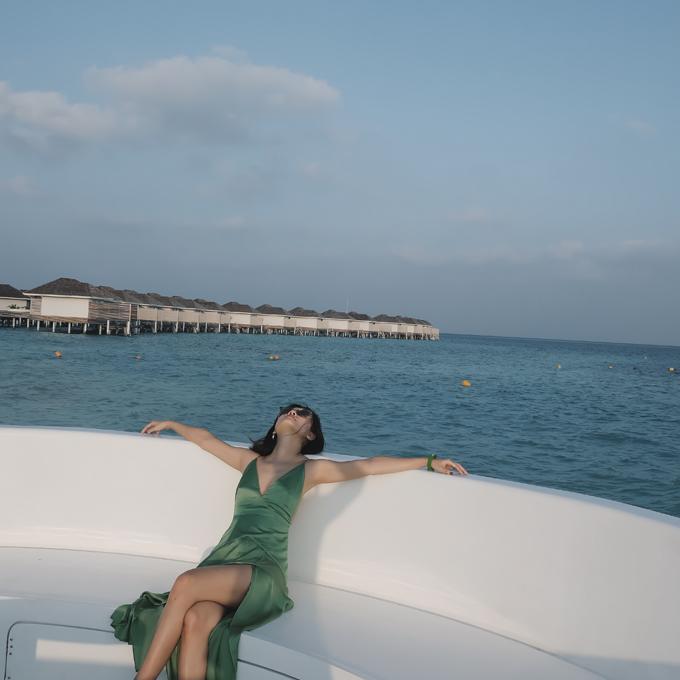 Kỳ nghỉ ở Maldives nắng ấm của đôi bạn thân Quỳnh Chi và Thuỳ Dung-11