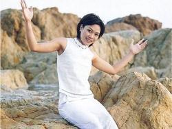 Khởi đầu ngày mới đầy hứng khởi bằng những ca khúc 'xa lắc xa lơ' của Mỹ Tâm, Thu Minh