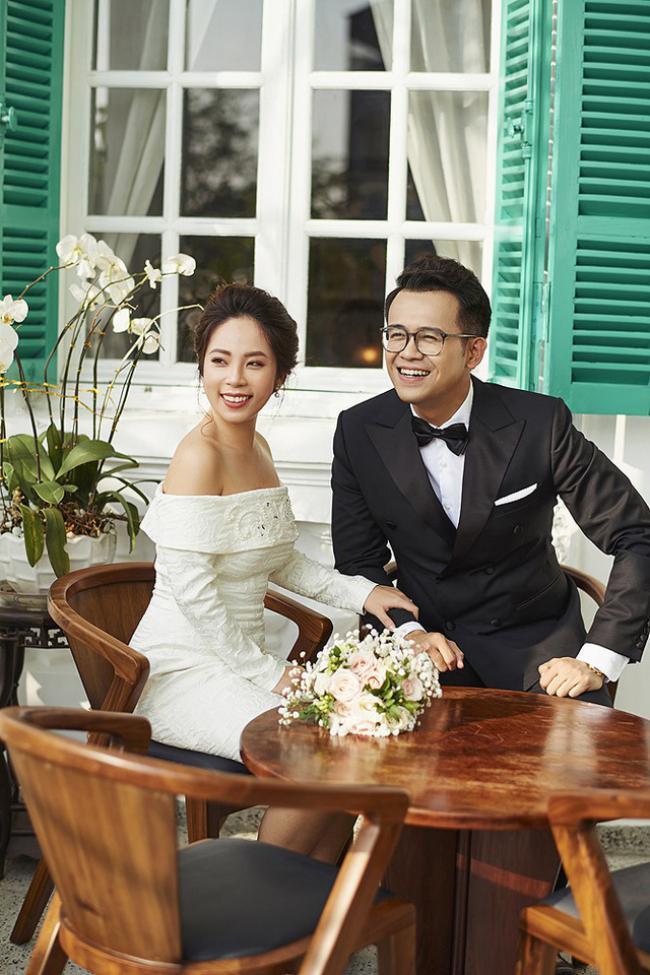 MC Chúng tôi là chiến sĩ tung ảnh cưới đẹp long lanh với vợ xinh đẹp-5