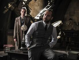 Lộ dung mạo thời trẻ của thầy Dumbledore trong phim tiền truyện 'Harry Potter'