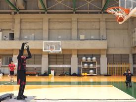 Robot 'siêu sao' ném bóng rổ gây kinh ngạc