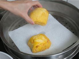 Bạn phải biết những công dụng hay ho của khăn giấy trong nhà bếp