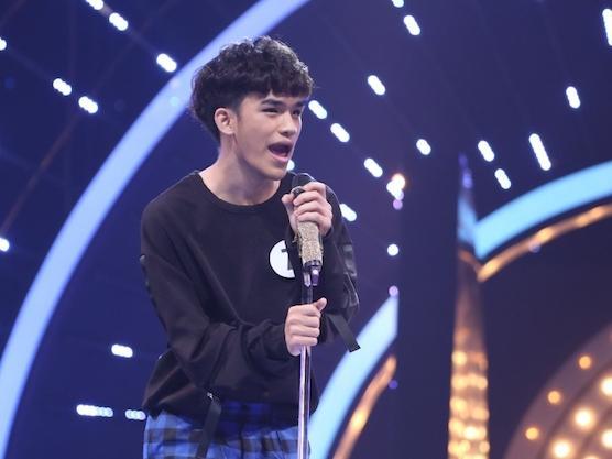 Giọng hát thảm họa khiến Ngô Kiến Huy 'tụt huyết áp' của chàng trai tự nhận là V (BTS) phiên bản Việt