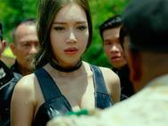 Clip: Elly Trần sợ xanh mặt khi bị Mike Tyson hù dọa