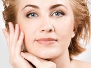 3 động tác đơn giản giúp da mặt căng mịn, nếp nhăn '1 đi 0 trở lại'