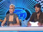 Thi giọng với thí sinh American Idol, Katy Perry ngậm ngùi xấu hổ
