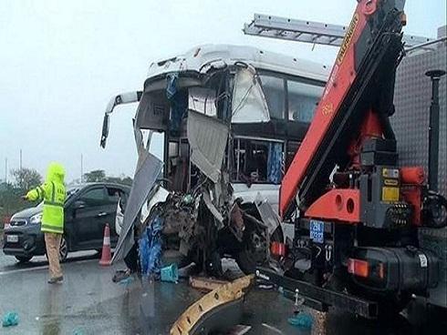 Tài xế xe khách đâm xe cứu hỏa: 'Nếu tôi đánh lái, chắc sẽ nhiều người thương vong hơn'