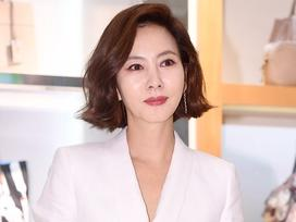 Trở lại showbiz sau 6 năm vắng bóng, 'Nữ hoàng quảng cáo' Kim Nam Joo vẫn rạng rỡ và đầy khí chất