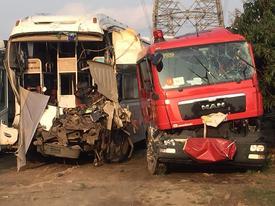 Tài xế vụ ôtô khách đâm xe cứu hỏa: Tôi không còn cách nào khác