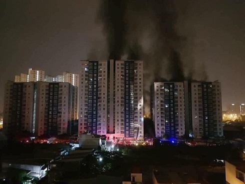 Cháy chung Carina Plaza, 13 người chết