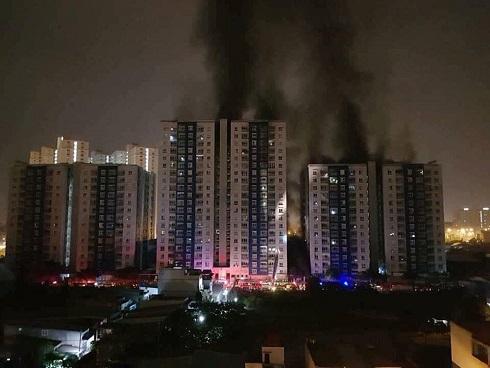 Vụ cháy chung cư ở Sài Gòn, 13 người chết: Đêm trước cư dân còn bức xúc...