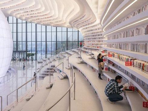 Leo lên 'núi sách' tại thư viện khổng lồ ở Trung Quốc