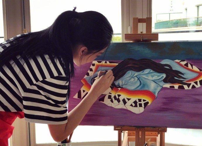 Mỹ nhân thị phi nhất showbiz Hoa ngữ, Lý Mạc Sầu Trương Hinh Dư không ngờ vẽ tranh lại mê hồn đến thế!-13