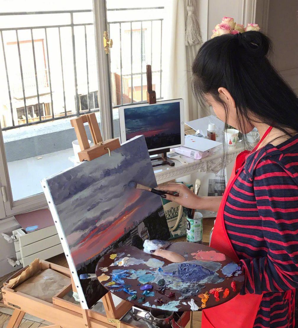 Mỹ nhân thị phi nhất showbiz Hoa ngữ, Lý Mạc Sầu Trương Hinh Dư không ngờ vẽ tranh lại mê hồn đến thế!-9