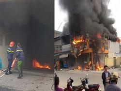 Ảnh HOT trong tuần: Thang máy hỏng kẹp cổ nam thanh niên; cháy chung cư 13 người chết thảm
