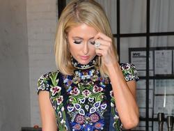 Choáng! Paris Hilton suýt làm mất nhẫn đính hôn 2 triệu USD ở câu lạc bộ đêm