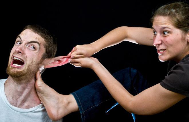 Cuộc cãi nhau của vợ chồng vô tình tạo ra khoảng trống vừa khít cho kẻ thứ ba.