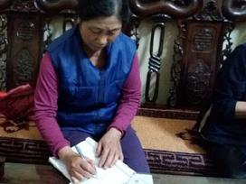 Vụ nữ giáo viên bị chồng cũ tạt axit: Mẹ viết đơn cầu cứu cho con gái