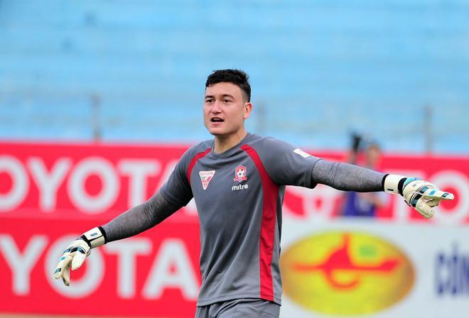 Sau Bùi Tiến Dũng, fans Việt lại xiêu lòng trước thủ môn Đặng Vân Lâm trong trận gặp Jordan-1