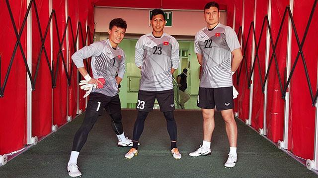 Sau Bùi Tiến Dũng, fans Việt lại xiêu lòng trước thủ môn Đặng Vân Lâm trong trận gặp Jordan-2